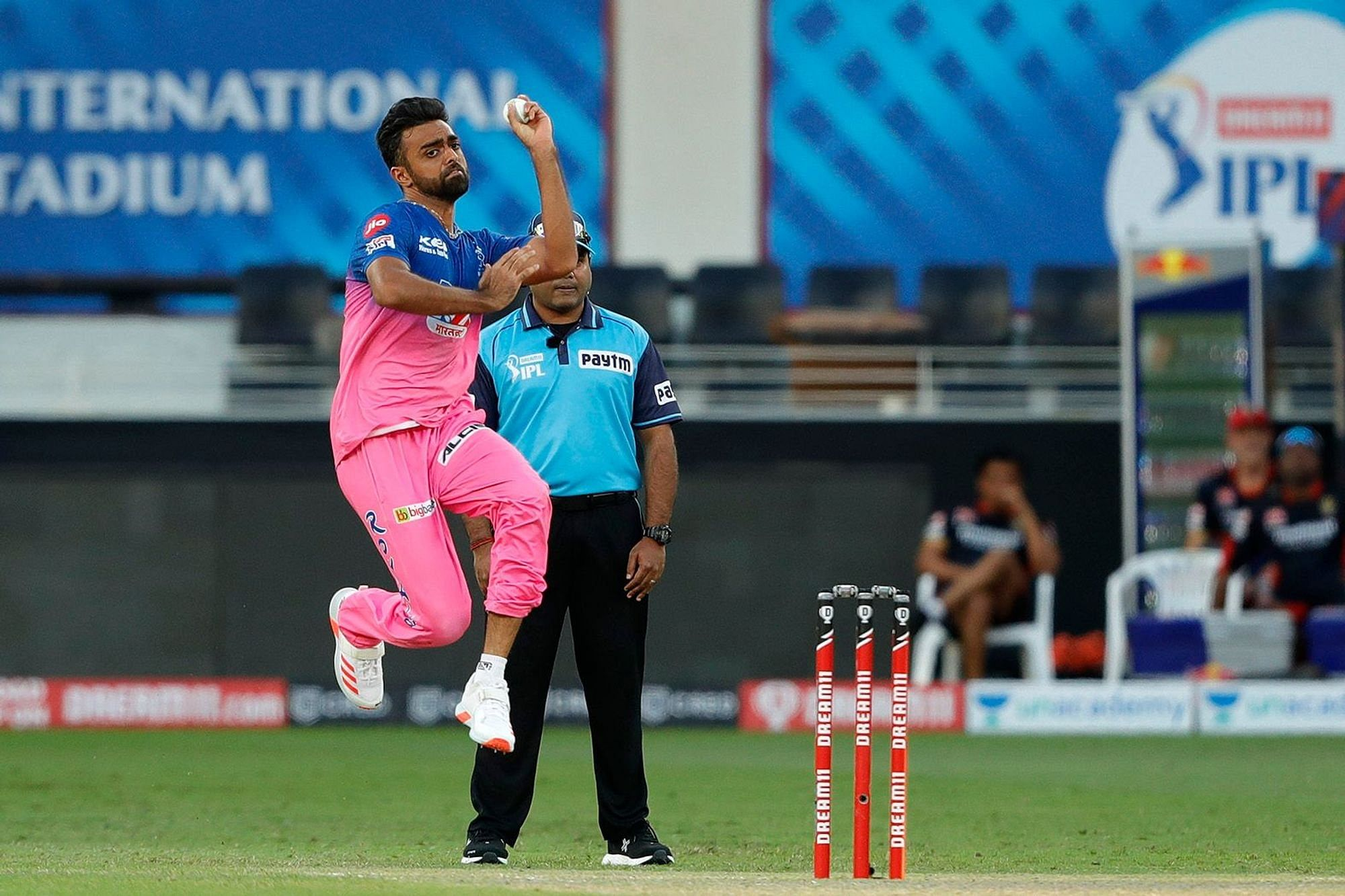 RCB's match-winner is Jaydev Unadkat': Twitter trolls RR bowler after AB de  Villiers takes him to the cleaners
