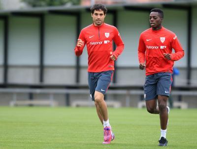b9d8e5a1a4721 Athletic Bilbao forward Williams renews contract