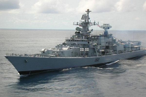 ईरान का मिसाइल हमला भारत युद्धपोत तैनात