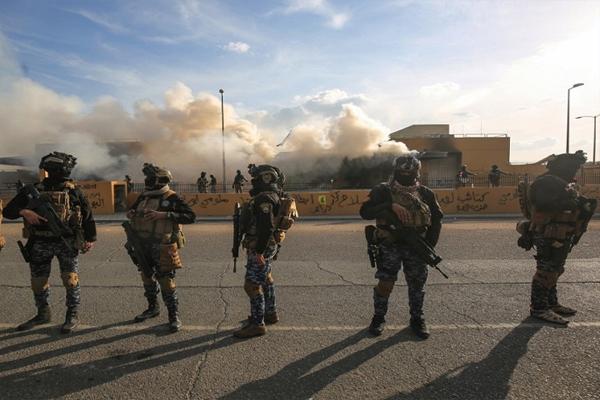 इराक: बगदाद में अमेरिकी दूतावास के ...