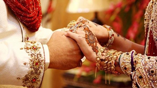 लॉकडाउन में फंसी मायके गई पत्नी, पति के बुलाने पर समय पर नहीं पहुंची  प्रेमिका से रचा ली शादी - uttamhindu