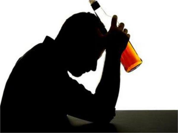 शराब के नशे में धुत पुलिसकर्मी निलंबित - uttamhindu