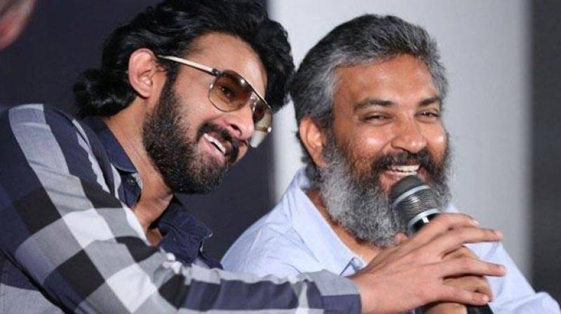 Rajamouli doesn't have dare to compete with Prabhas? - tollywood