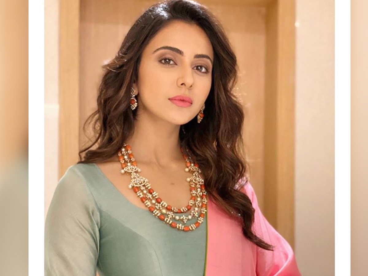 Rakul Preet Singh sold out her house in Hyderabad at a less price? - tollywood