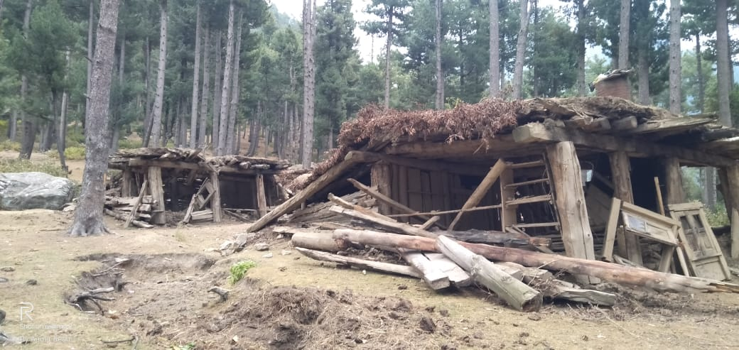 J&K: Ahead of Winter, Demolition Drive Leaves Gujjars, Bakarwals Out of Temporary Houses