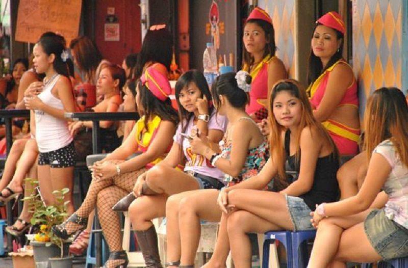 Thai bar girl videos, fake naked boa